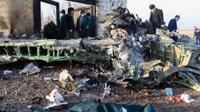 İran'da düşen uçakla ilgili açıklama: Füze veya bomba olabilir