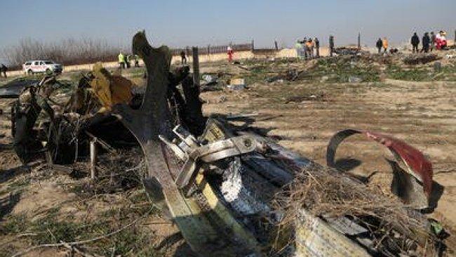 Düşen uçağın sırrı çözülüyor...İran kara kutuyu açacak