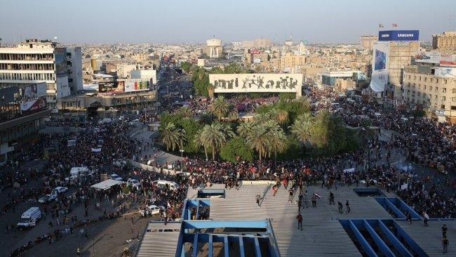 Göstericiler, Bağdat'taki Tahrir Meydanı'na akın etti