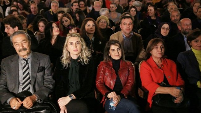Demirtaş, İmamoğlu ve Kılıçdaroğlu'nun eşleri 'Devran' okuma tiyatrosunda buluştu
