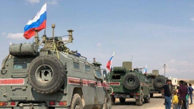 Rusya, Rojava'da Suriye ordusu ve SMO arasında bayrak dikti