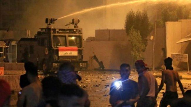 Bağdat'ta güvenlik güçleri ile göstericiler arasında çatışma