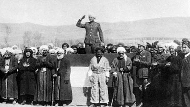 Bugün Mahabad Kürt Cumhuriyeti'nin 74'üncü yıl dönümü