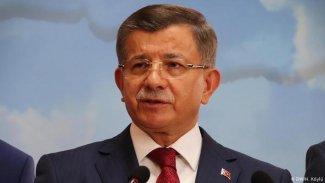 Davutoğlu, Selahattin Demirtaş ile yaptığı telefon görüşmesini 5 yıl sonra ilk kez açıkladı