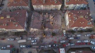 Elazığ depremi: Hayatını kaybedenlerin sayısı 20'ye yükseldi