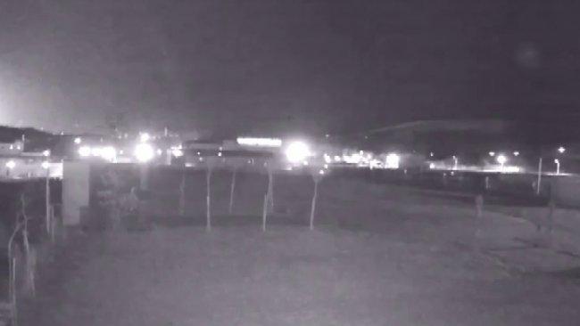 Elazığ'da ve Malatya'da deprem sırasında ortaya çıkan ışık gündem oldu