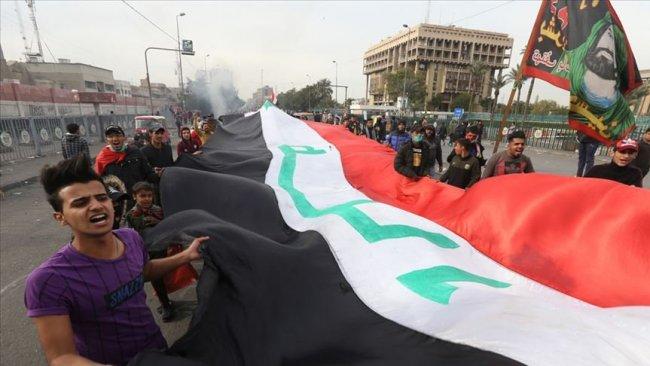 Irak'ta göstericiler yolları kapattı