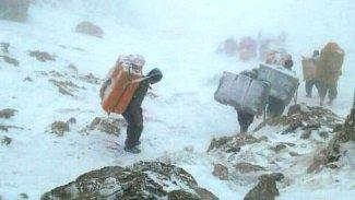 Karda mahsur kalan Kürt kolberlerden kötü haber