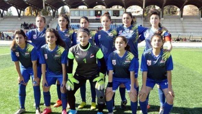 Suriye Kadınlar Ligi Şampiyonu Rojavalı kadın takımı kentte coşku ile karşılandı