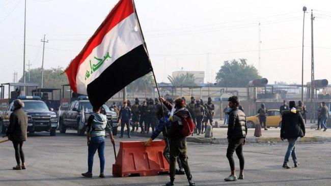 Irak'ta Sadr yanlıları ile göstericiler çatıştı