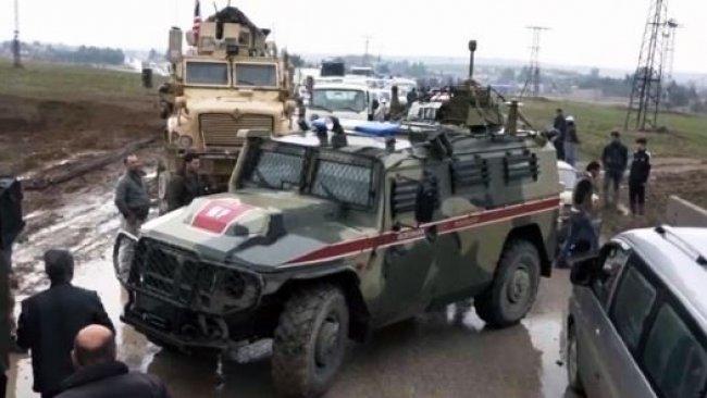Rojava'da gerilim tırmandı...ABD güçleri Rus askerlerinin önünü kesti!