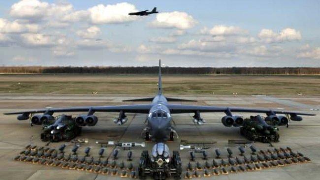 ABD, İran'a karşı B-52 bombardıman uçakları gönderecek...Operasyon talimatı bekleniyor!