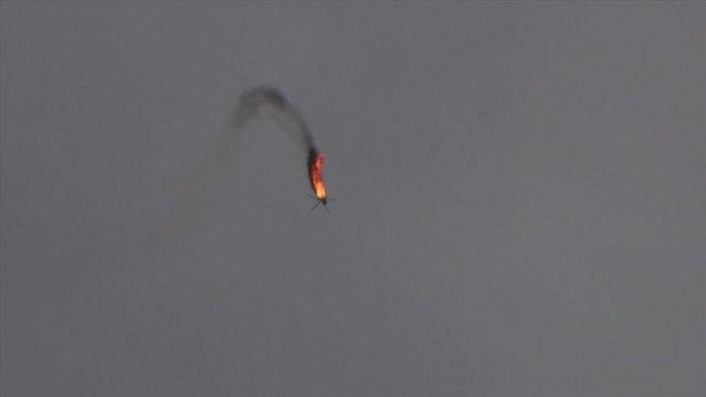 Suriye ordusuna ait bir helikopter daha düşürüldü