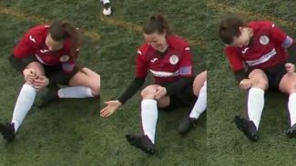 Kadın futbolcu, yerinden çıkan diz kapağını yumruklayarak yerine taktı