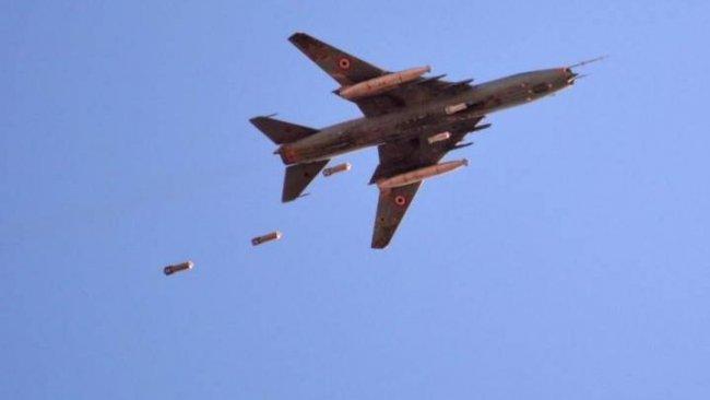 Savaş uçakları İdlib ve Halep kırsalını bombaladı