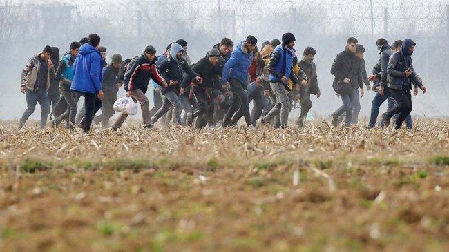 Yunanistan'dan mültecilere mali yardımı kesme kararı
