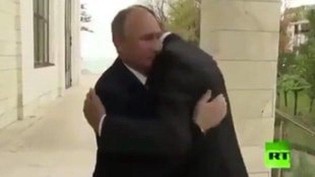 Putin, Esad'ı dış kapıda karşıladı!
