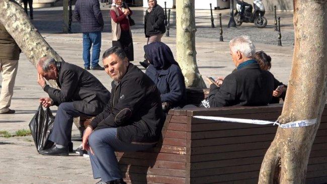 Türkiye'de 65 yaş ve üstüne sokağa çıkma yasağı