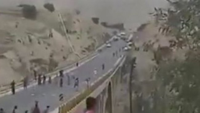 İran'da koronavirüs korkusu! Araçlar taşlanıyor