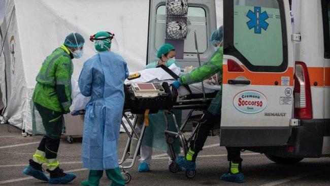 İtalya'da koronavirüsten ölenlerin sayısı 6820'ye yükseldi