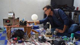 Rojava'da elektrik mühendisleri prototip solunum cihazı üretti