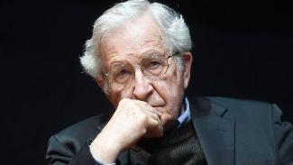 Chomsky,koronavirüs sonrası iki kriz kapıda