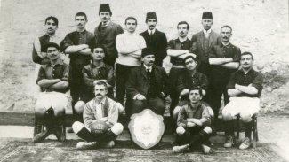 İlk Kürt futbolcu Celal İbrahim Galatasarayı Kurdu, ilk kaptanlığını yaptı