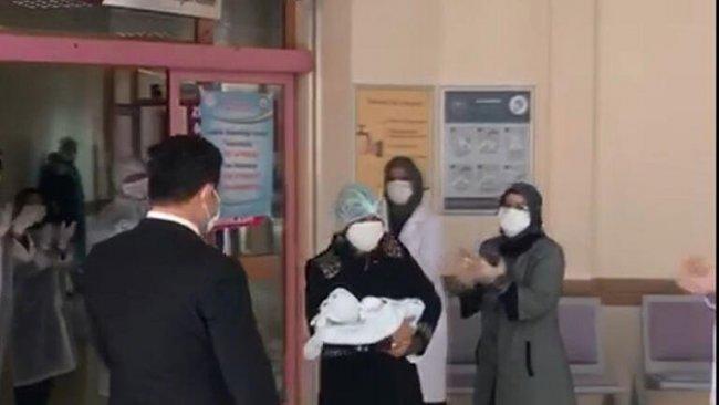 Bingöl'de koronavirüs hastası olan 15 günlük bebek taburcu oldu