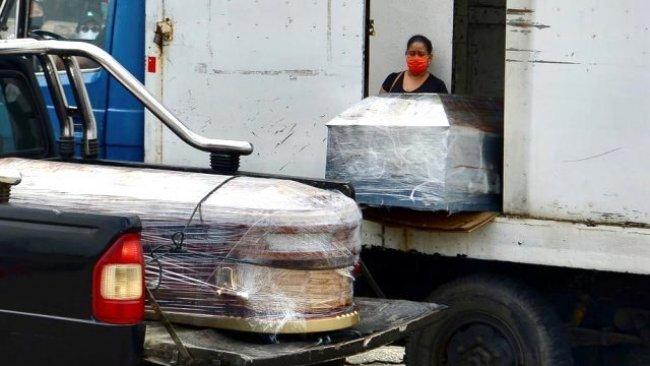 Ekvador'da evlerden 700'den fazla cansız beden toplandı