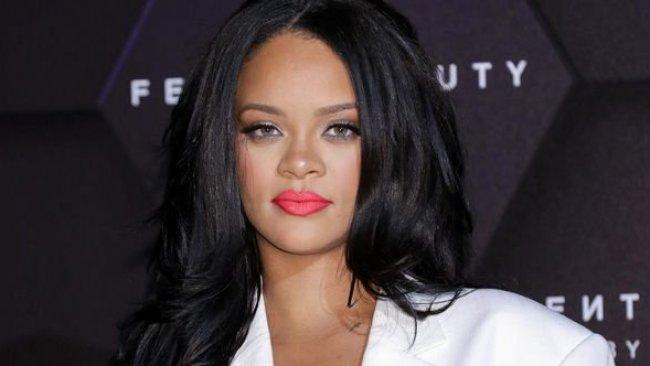 Rihanna: Dünyayı kurtarmaya çalışıyorum!