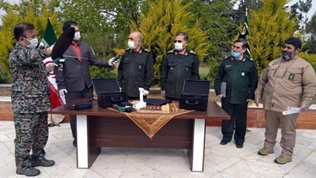 İran'da tanıtılan koronavirüs tespit cihazı tartışmalara neden oldu