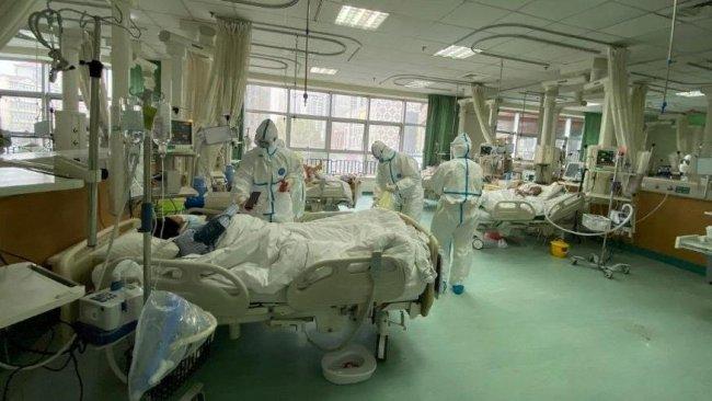 Çinli bilim insanları koronavirüsün en bulaşıcı olduğu zamanı belirledi