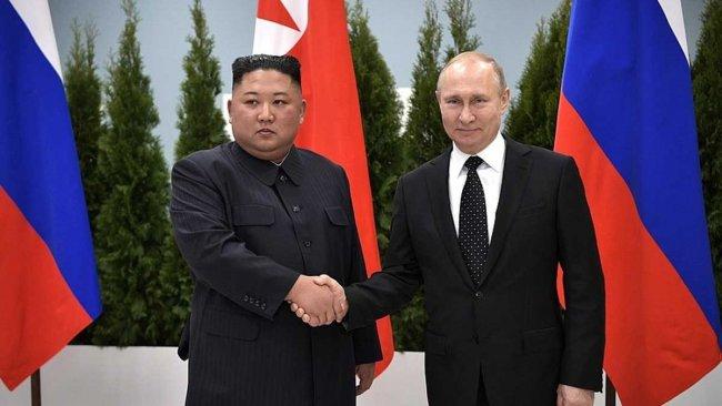 Putin'den, Kim Jong-un'a madalya
