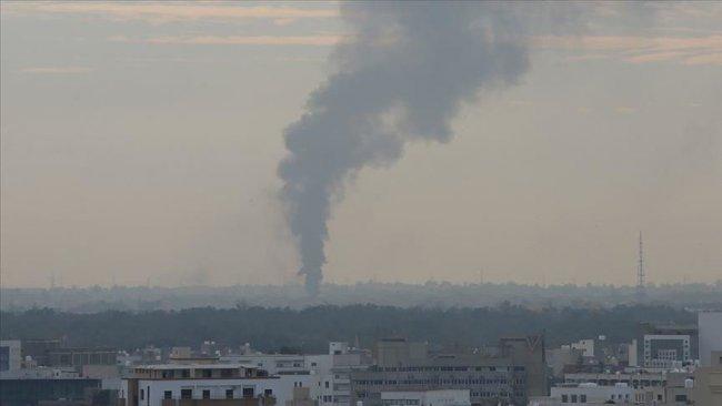 Libya Ordusu, Hafter'e silah ve mühimmat taşıdığı iddia edilen kargo uçağını vurdu