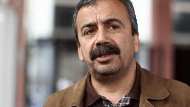 Sırrı Süreyya Önder: HDP kongresinde mikrop kaptım