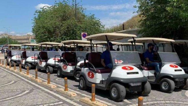 Erbil'de elektrikli arabalar ücretsiz hizmet sunuyor