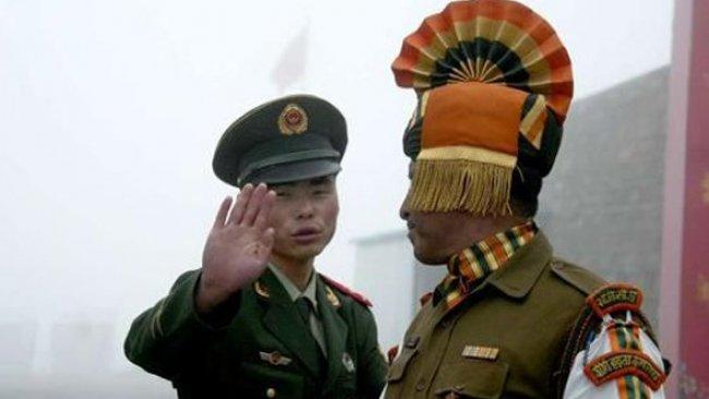 Hindistan ve Çin askerleri sınırda çatıştı: İki tarafta da yaralılar var