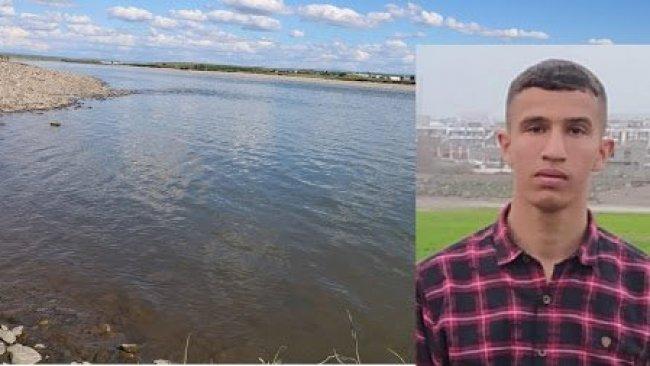 Dicle Nehri'nde balçığa saplanan genç boğularak hayatını kaybetti