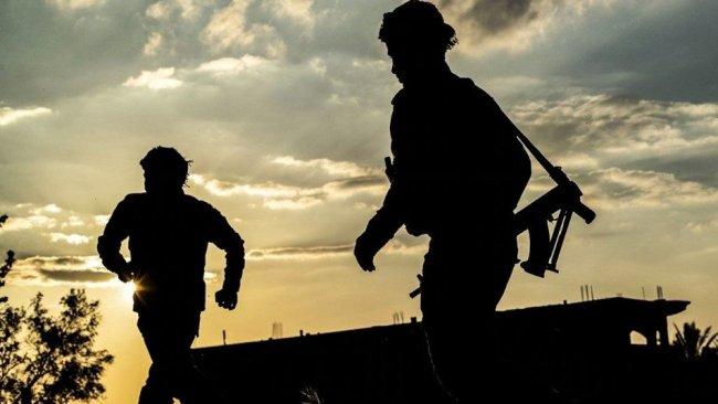 Gündüz Irak polisi gece ise IŞİD'li...