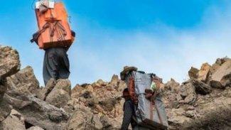 Türkiye güvenlik güçleri sınırda bir Kürt kolberi öldürdü