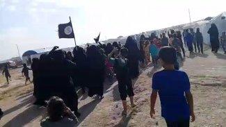 IŞİD'li kadınlardan Hol Kampı'nda provokasyon girişimi