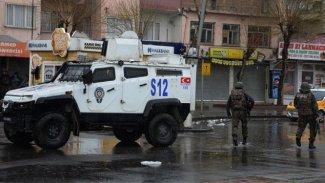 Bağlar'da bir polis öldürüldü