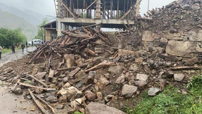 Bingöl depreminde son durum: 1 ölü, 18 yaralı