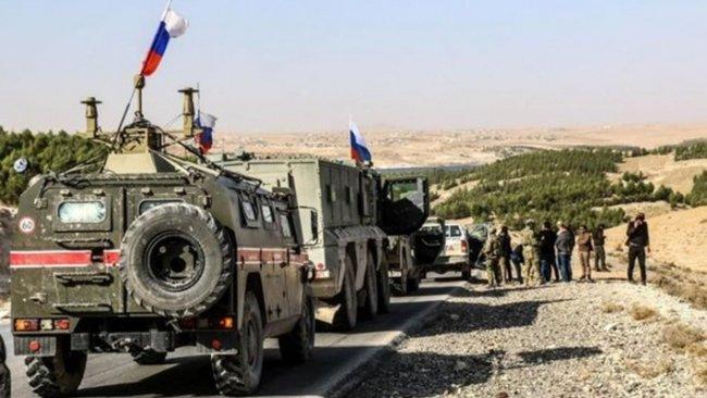 Rus askeri konvoyu Haseke'deki kasabaya konuşlandı