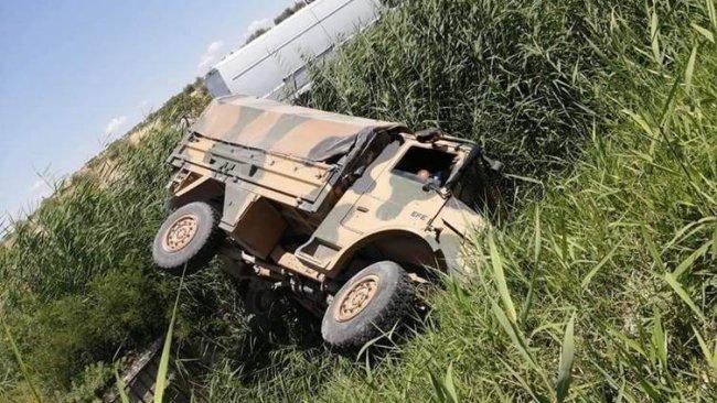 Antep'te askeri araç devrildi: 4 yaralı