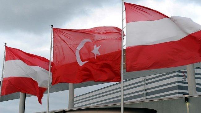 Avusturya ile Türkiye arasında Kürt ve Türk gruplarla başlayan gerilim tırmanıyor