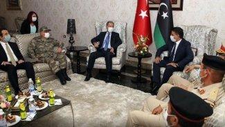 Hulusi Akar Libya'da: 'Süreci daha yakın bir markaj içinde sürdüreceğiz'