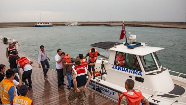 Van Gölü'nde batan teknede ölü sayısı 16'ya yükseldi