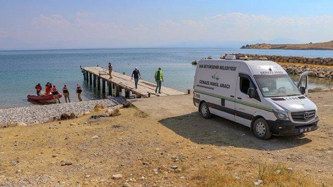 Van Gölü'nde hayatını kaybedenlerin sayısı 50'ye yükseldi