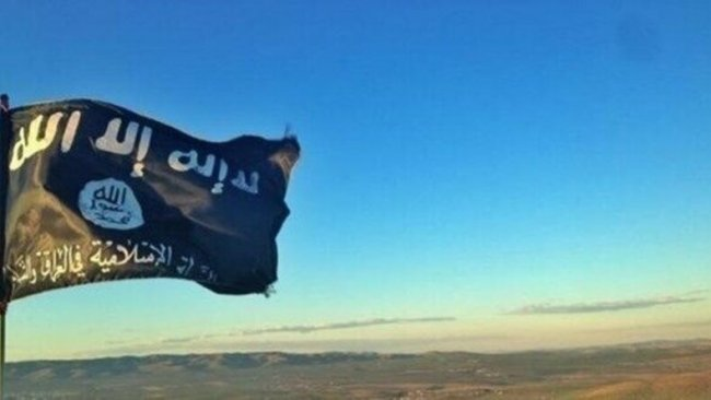 IŞİD yeniden bayrak dikti!